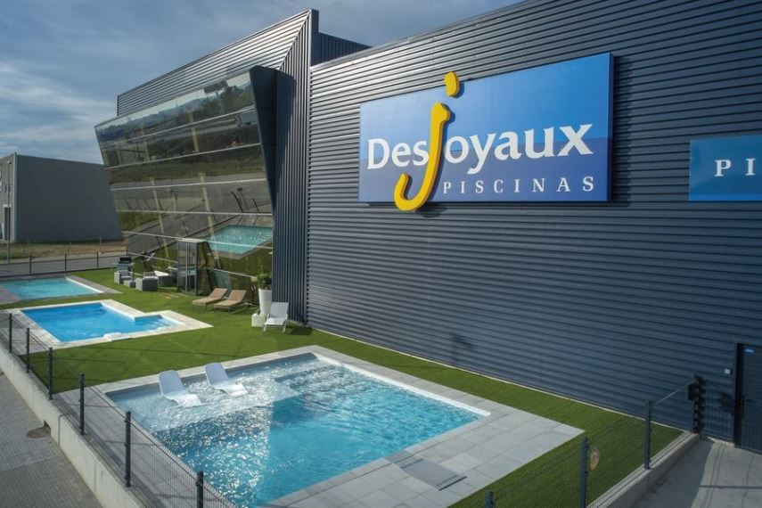 Suisse romande : Concession exclusive Piscines Desjoyaux